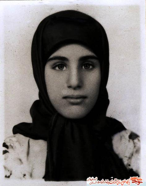 زندگینامه وخاطرات شهیده زینب(میترا)کمایی +برگزاری کنگره ملی زینب کمایی به اسم سرمشق ایمان
